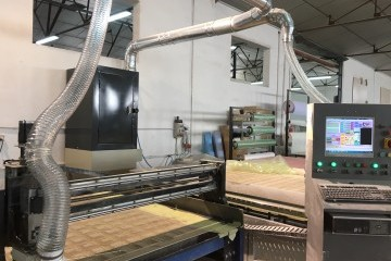 Equipo de aspiración industrial con sistema de filtración mediante mangas